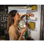 Боковые полки на двери холодильника