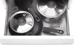 Выдвижной посудный ящик на роликах